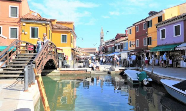 Canal Boat Ride to Burano, Italy: Colorful Houses, Lace and History